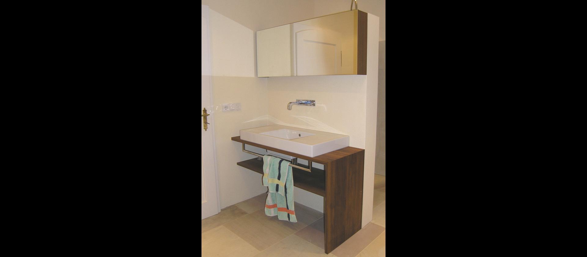 MTB-Badmöbel in Teak | Einbaumöbel , Badezimmermöbel