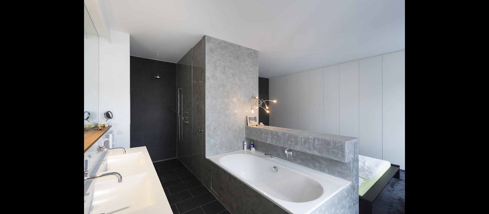 mtb badm bel mineralwerkstoff t rkis weiss matt. Black Bedroom Furniture Sets. Home Design Ideas