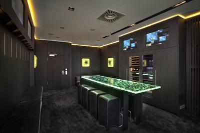 fussball loge im stadion individuelle einrichtung. Black Bedroom Furniture Sets. Home Design Ideas