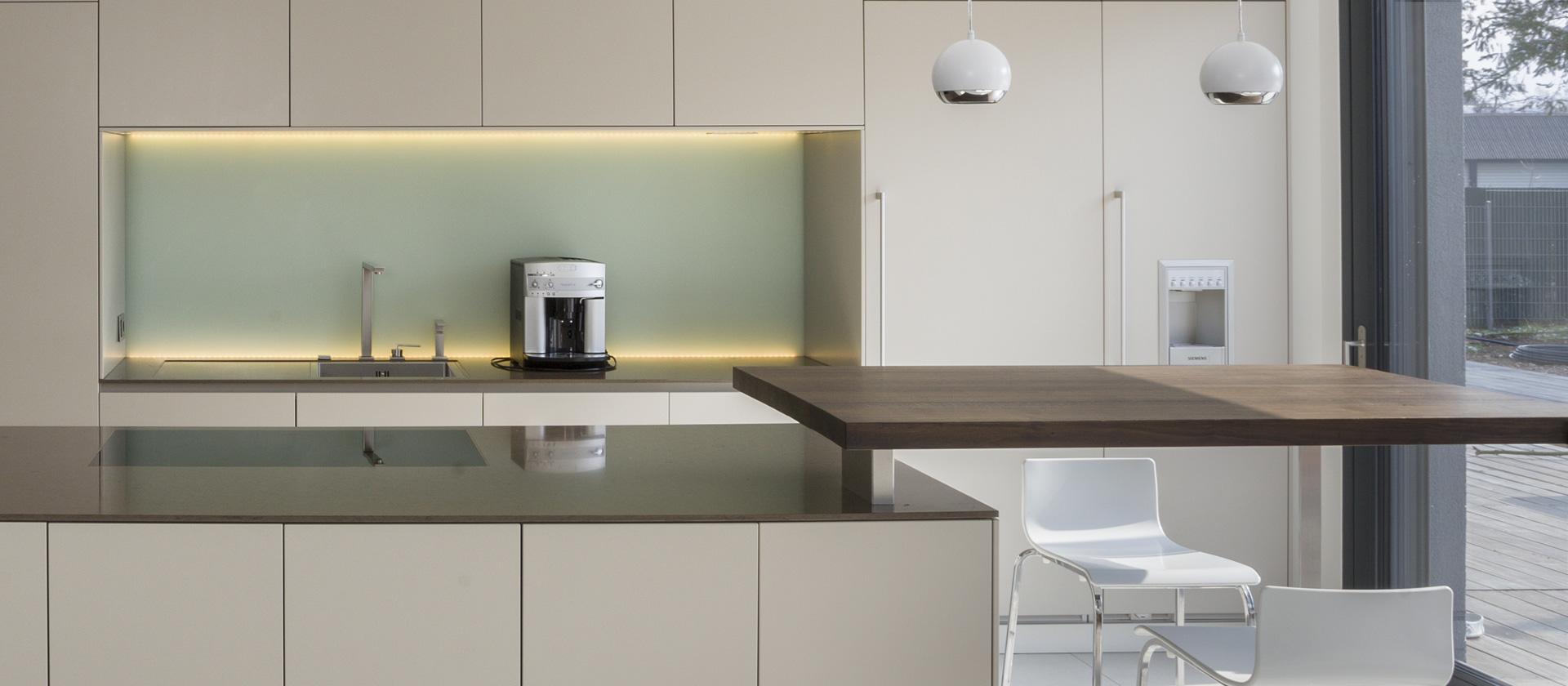 voxtorp k che nussbaum poco k che weiss arbeitsplatte 90 cm tief preis fliesen f r modern. Black Bedroom Furniture Sets. Home Design Ideas