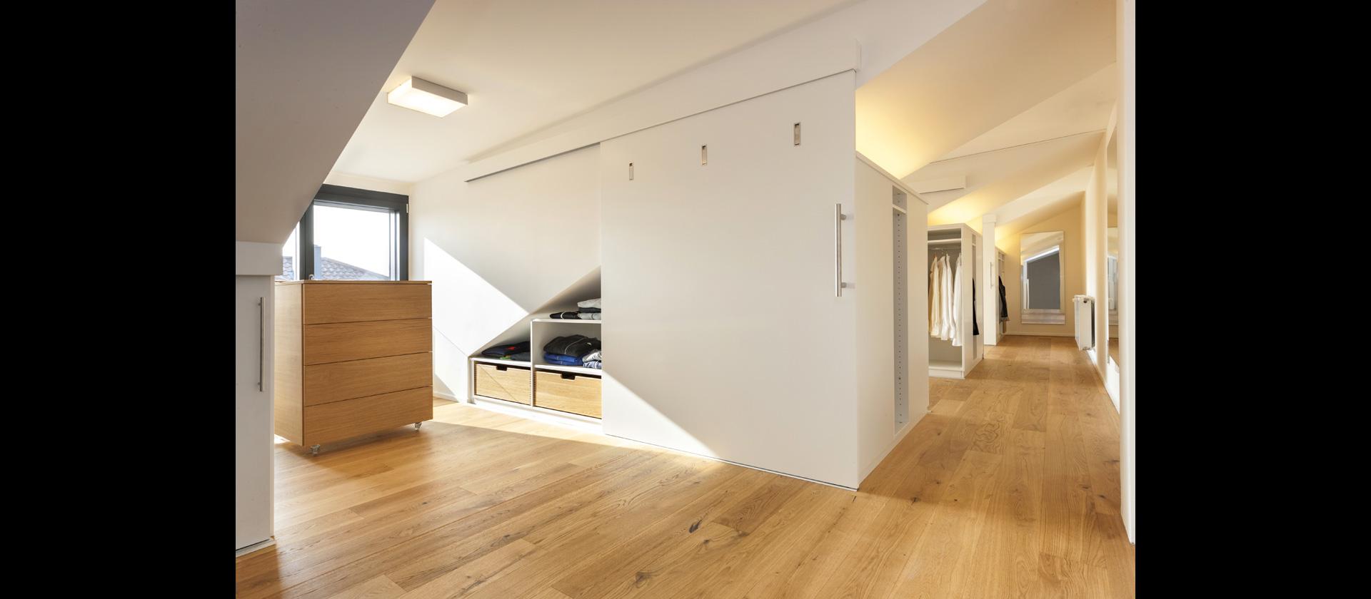 Möbel Für Ankleidezimmer planung ankleidezimmer mit möbeltreppe maßanfertigung